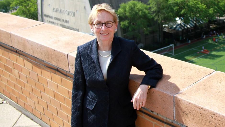 Pat Saunders Receives Woman of Distinction Honor
