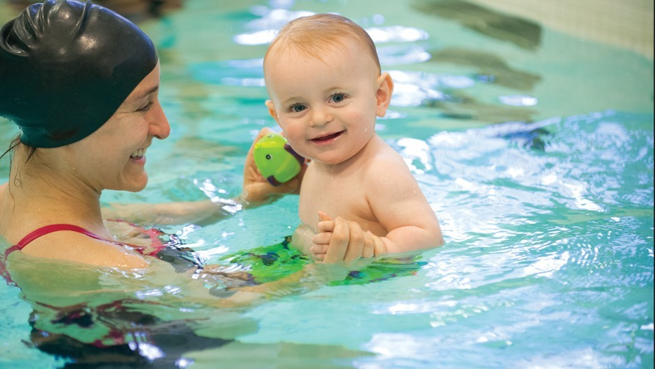 4 Reasons Your Child Should Learn to Swim Young
